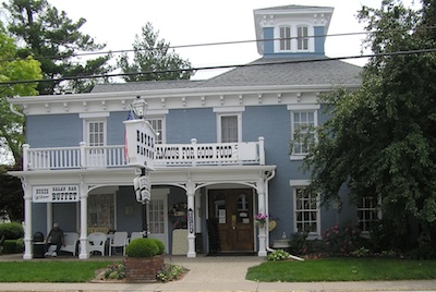 The Main Building Dates Back To 1841 Cur Operators Of Hotel Have Been Running This Elishment Since 1948 Nauvoo Illinois